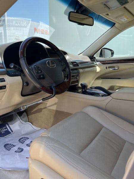 Lexus LS460 2017