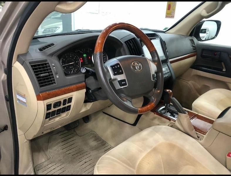 Toyota Land Cruiser GXR 2014