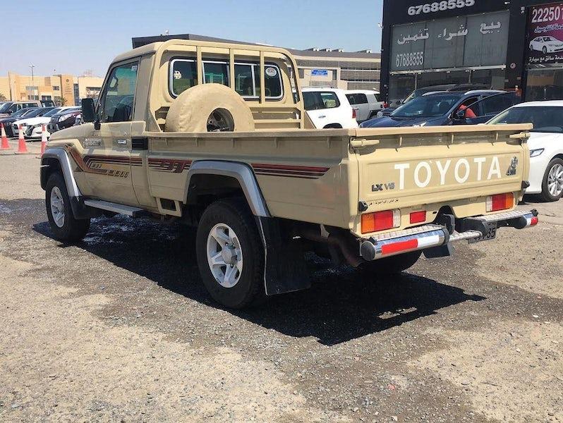 Toyota Land Cruiser LX 2021